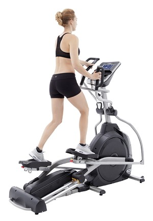 Spirit XE395 Elliptical with Adjustable Incline